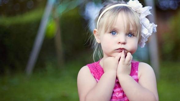 وارنیش فلوراید درمانی(تراپی) دندان کودکان