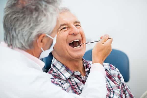 درمان ایمپلنت چگونه انجام میشود؟